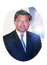 在ミラノ日本国総領事 東 博史氏
