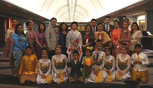 タイ舞踊団集合