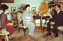 タイ王国プーミポン陛下に謁見賜る